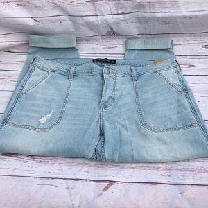 New Hollister Buttonfly boyfriend jeans